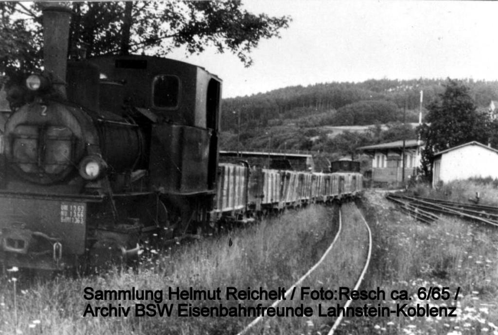 PhB Lok 2 mit O-Wagen der Serie 1-38 -Sammlung Werner Bremer - Foto Resch ca 6-65.jpg beschriftet